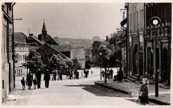 Widok sprzed kościoła ok. 1957