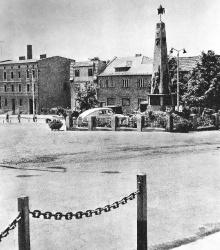 Pomnik wdzieczności żolnierzom Armii Czerwonej ok. 1960-1965 r.